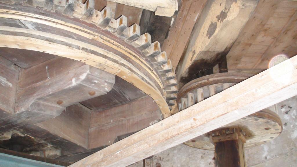 De 'houten machinerie' van windmolen Catherina in Schijndel