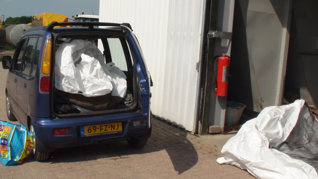 Al het graan is naar Den Bosch getransporteerd met deze auto
